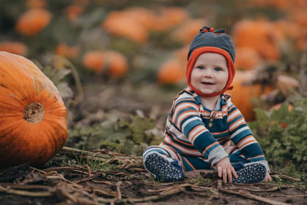 moments-and-mountains-photo-and-film-lacey-wa-family-photographer-will-pumpkin-patch (2 of 3)